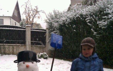 Sněhuláky na Vánoce asi stavět nebudeme.