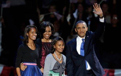 Staronový prezident USA a jeho ženy: první dáma Michelle (48) a dcery Malia (14) a Sasha (11).