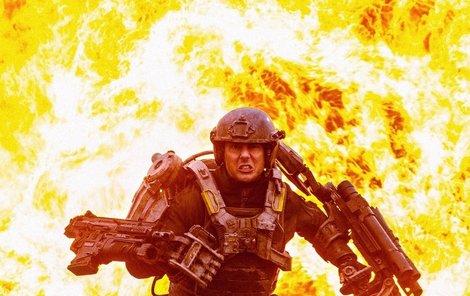Tom Cruise musel při natáčení nosit toto obrovské brnění.