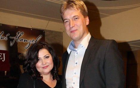 Ilona Csáková s manželem Radkem.