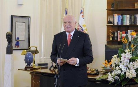 Prezident Václav Klaus 1. ledna na Pražském hradě před novoročním projevem, posledním v jeho prezidentské kariéře.