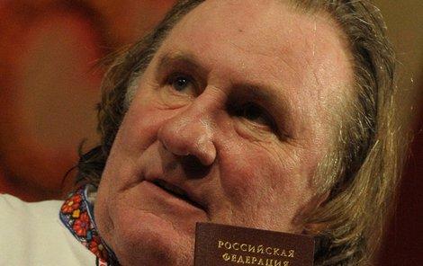 Depardieu se stal Rusem a tím pije krev současné vládě Ukrajiny.