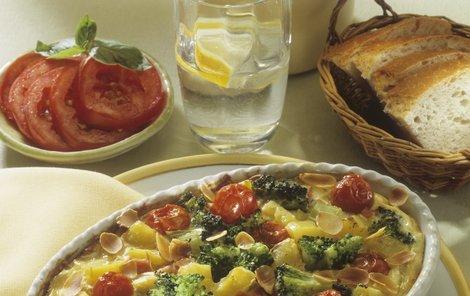 Zapečené brambory s brokolicí