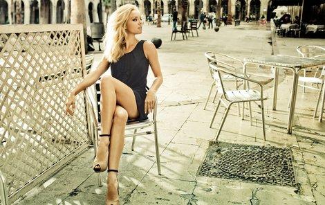 Táňa je opravdu sexy. V Barceloně vyvolala mezi muži doslova poprask.