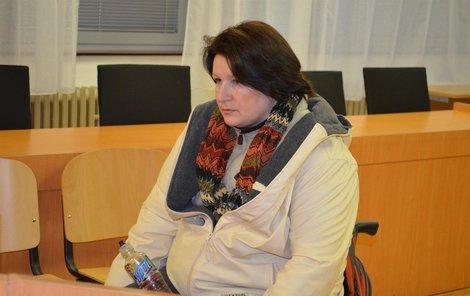 Irena Š. včera u soudu.