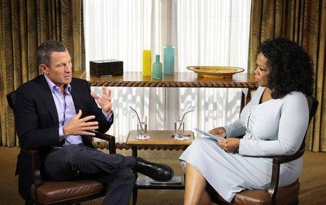 Cyclista Lance Armstrong přiznává veřejně doping  americké moderátorce Oprah