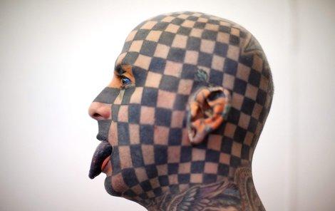 »Šachovnicový muž« Matt Gone