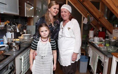 Iva Janžurová s dcerou a vnučkou