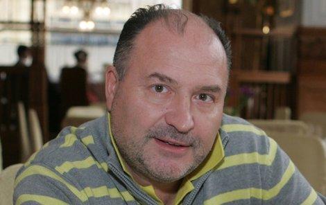 Michal David obhajuje svou dceru Kláru.