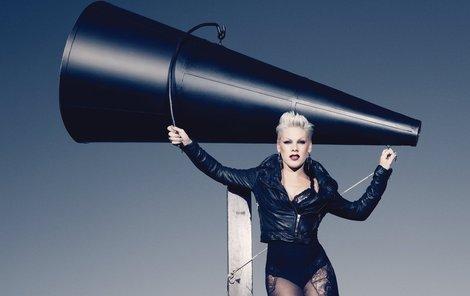 Pink vystoupí v Praze 10. května
