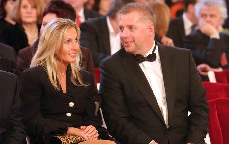 Ministr Bendl s přítelkyní.