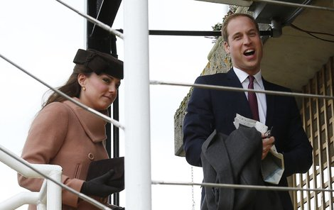 Princ William s manželkou Kate vždy budí velkou pozornost fotografů