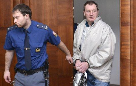 Raab soud potrestal šesti lety basy.