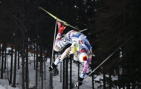Ve Špindlu se soutěžilo i o nejlepší trik na běžkách.