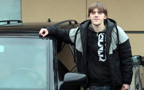 Aby své auto dostal ze servisu, musel si Jan Bursa vzít úvěr.