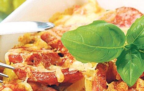 Párky zapečené s bramborami