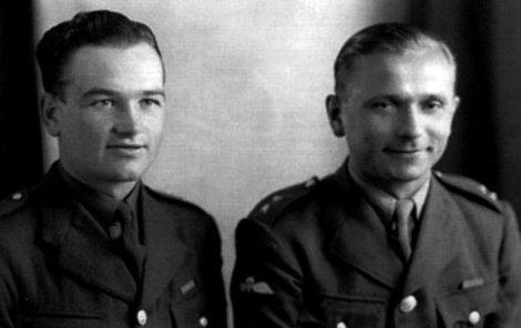 V rodném domě Jana Kubiš byly nalezeny jeho osobní věci, ukryté pod schodem na půdu.