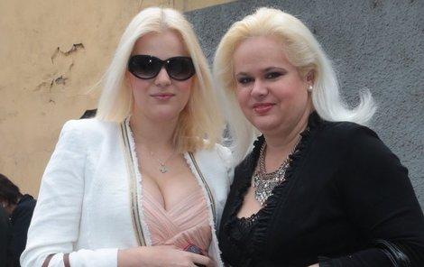 Monika Štiková s dcerou Ornellou dluží Okamurovi 300 tisíc!