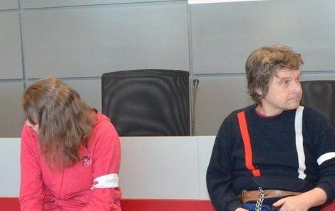 Syn utýrané ženy Zdeněk Hostaš.  Alena Hostašová soudci tvrdila, že měla svou tchyni ráda.