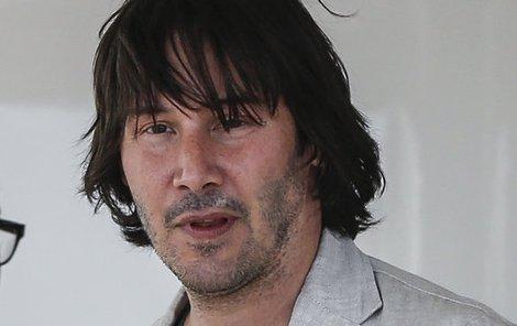 2013 Do Cannes dorazil Keanu s dvojitou bradou a naducanými tvářemi.