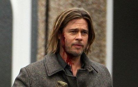Brad Pitt bude ve filmu Světová válka Z zachraňbovat svět před nájezdem zombie.
