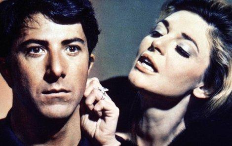 Ještě jako mladík Dustin Hoffman ve spárech paní Robinsonové ve filmu Absolvent