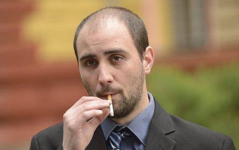Měl kliku... Vondroušovi soud udělil za násilí proti úřední osobě podmíněný trest v délce trvání 6 měsíců s odkladem jednoho roku. V base ale mohl skončit až na šest let...