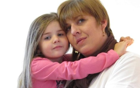 Kateřina s dcerou Lucinkou, která byla počata umělým oplodněním.
