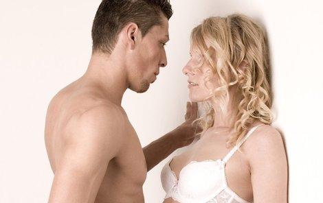 Láska, vášeň a sex k létu patří..