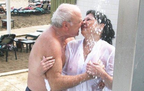 Před i po sexu doporučujeme osvěžující sprchu.