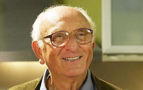 Otakar Brousek starší leží už více než měsíc v nemocnici.