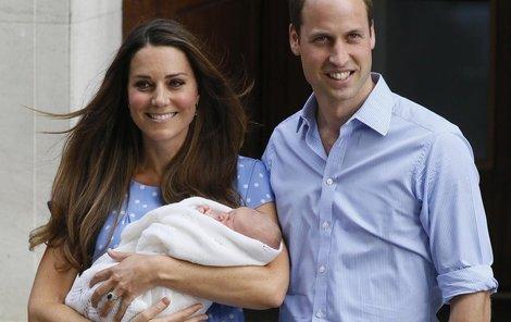George světu poprvé ukázali den po narození.