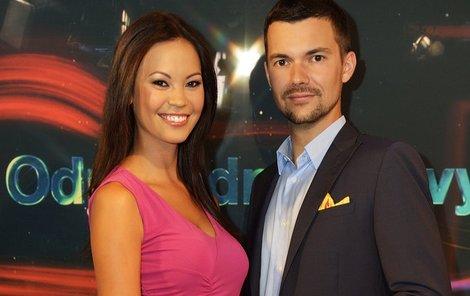 Zprávařka Monika se svým kolegou Tomášem Drahoňovským.