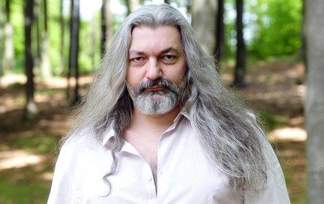Daniel Hůlka (45), zpěvák