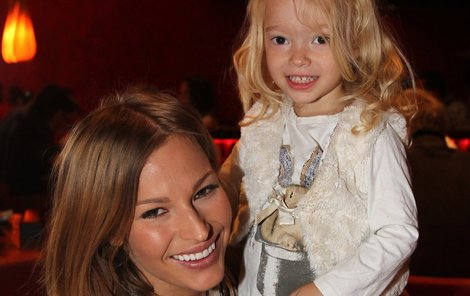 Moderátorka Petra s dcerou Rachel.