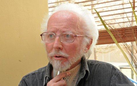 Stanislav Fišer podstoupil odstranění šedého zákalu na obou očích.