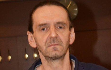 Klatovy. Bezzubý Don Juan Karel B. (48) z Klatov.