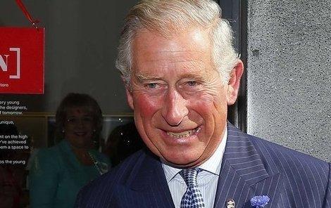 Vysmátý důchodce Charles.