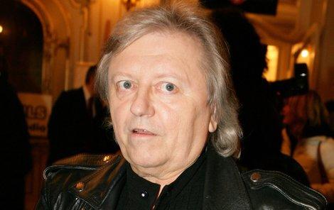 Václav Neckář raději mluví než zpívá.