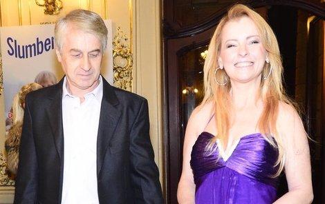 Iveta Bartošová s Josefem Rychtářem na Slavících minulý rok.