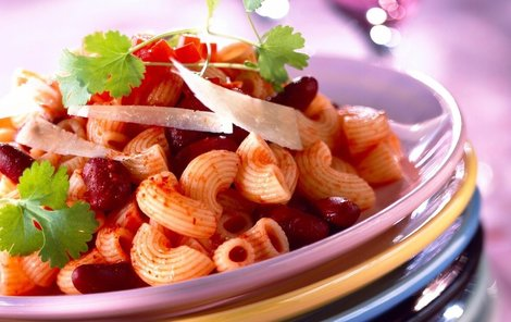 Těstovinový hrnec s fazolemi a zeleninou podle Ivany Černé