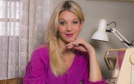 Sabina Laurinová dokáže své dcery na Vánoce zabavit. Na snímku jako Marta v Doktorech z Počátků.