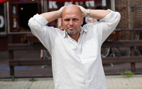 Zdeněk Pohlreich si už nemá ani kde rvát vlasy. Bojí se, aby si syn nepokazil život nerozvážným rozhodnutím.