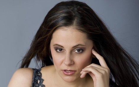 Laďka Něrgešová nechce, aby jí jednou syn vyčetl, že ho předhodila médiím.