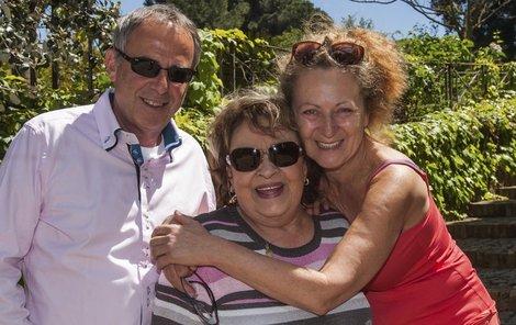 Jiřina Bohdalová oslavila 83. narozeniny v Římě s přítelem Lubomírem Fockem a dcerou Simonou.