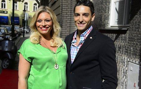 Michal s Lucií na veřejnosti vystupují často jako hrdličky. Na příjmení se ale neshodnou.