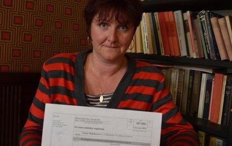 Ivana Melicharová ukázala Aha! směnku na 657 850 Kč.