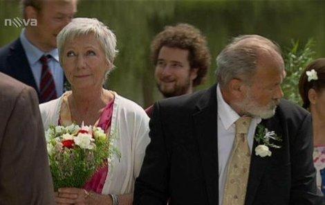 Svatbu Amálie a Vlasty poněkud zkomplikovala vášeň ženicha!