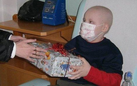 Honzík přežil rakovinu krve, ale stále potřebuje péči.