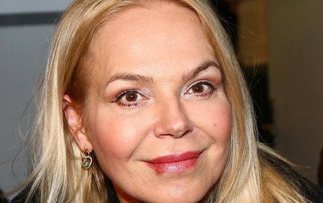 Dagmar Havlová se nyní podepisuje jako Dagmar Havlová-Veškrnová.
